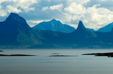 Norway_Boat_in_Vestfjorden_440x250