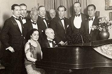 Ravel_au_piano_cropped