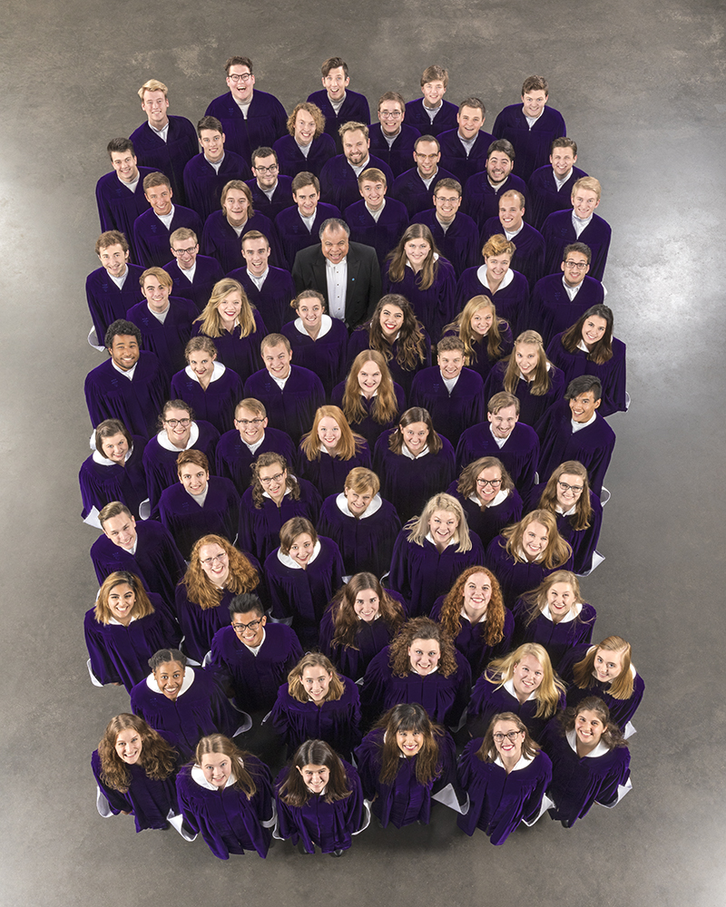 The St. Olaf Choir poses for a group photo.